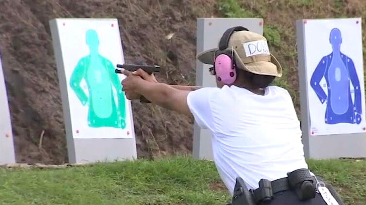 Florida lawmakers pass bill to arm teachers