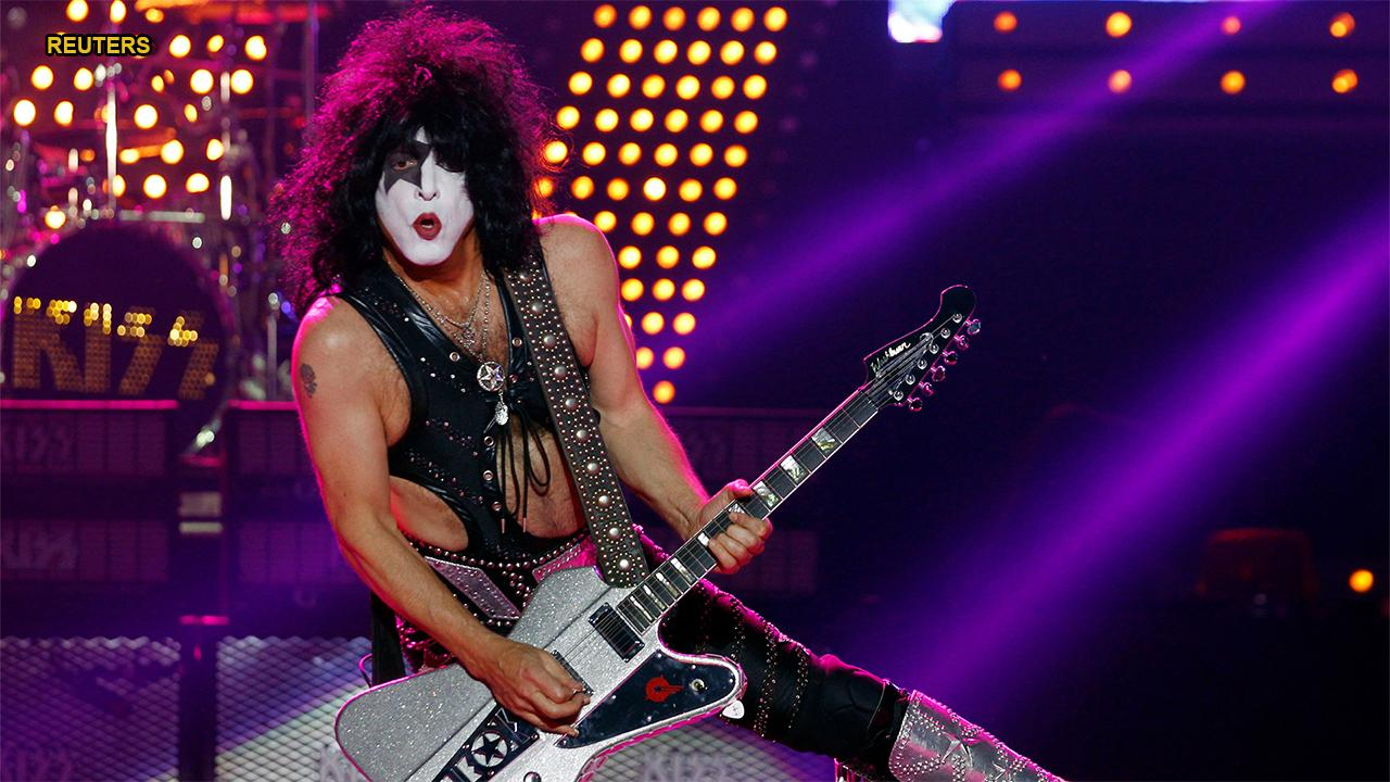 kiss singer paul stanley weighs in on ace frehley gene simmons feud i wouldn t lose any sleep. Black Bedroom Furniture Sets. Home Design Ideas