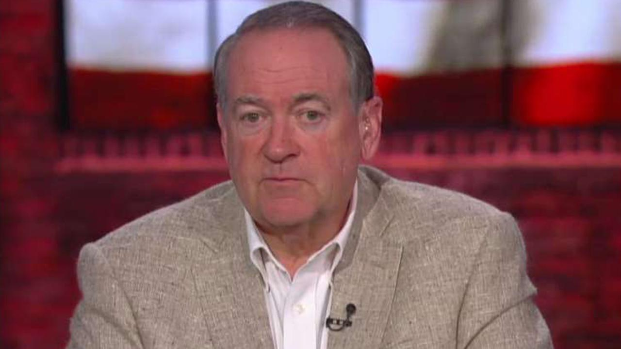 Mike Huckabee on Lynch calling out Comey, Trump taking on Biden