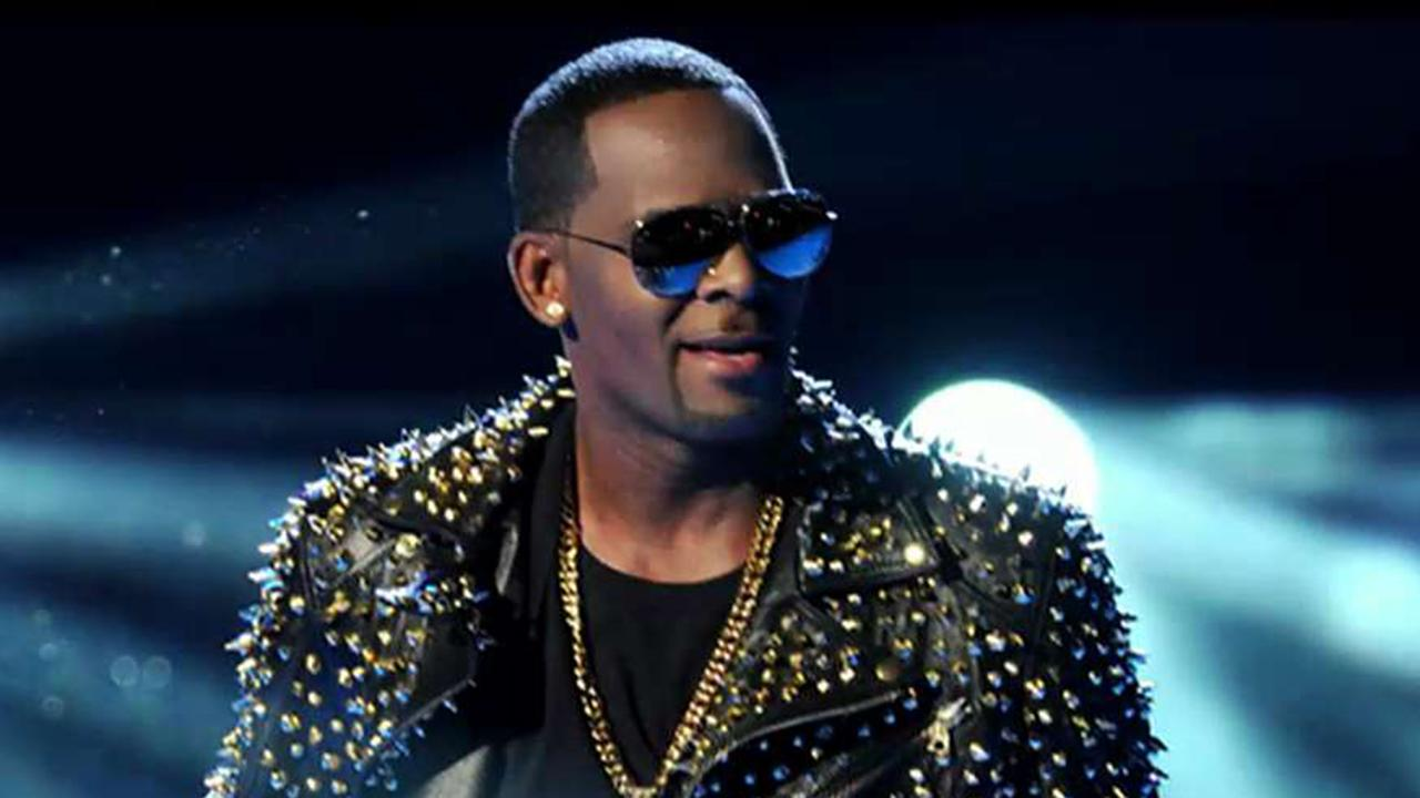 Westlake Legal Group 694940094001_6042876490001_6042875302001-vs R. Kelly arrested on federal sex trafficking charges in Chicago, report says fox-news/person/r-kelly fox news fnc/entertainment fnc article 02649919-fe52-551f-8f44-c960c2d56a98