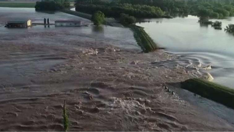 Historic flooding breaches levee forcing evacuations in Northwest Arkansas