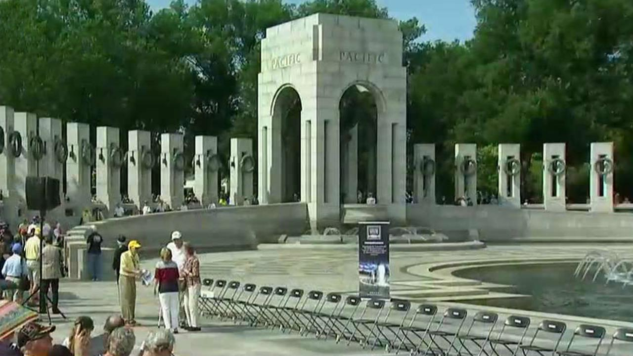 Veterans gather at WWII Memorial in Washington, DC to mark 75th anniversary of D-Day
