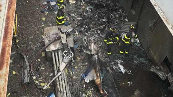 Helicopter pile-up on roof of Manhattan high-rise