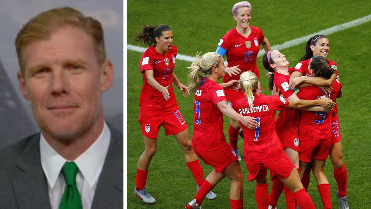 Alexi Lalas: US women's inhabitant soccer group players merit as most income as possible