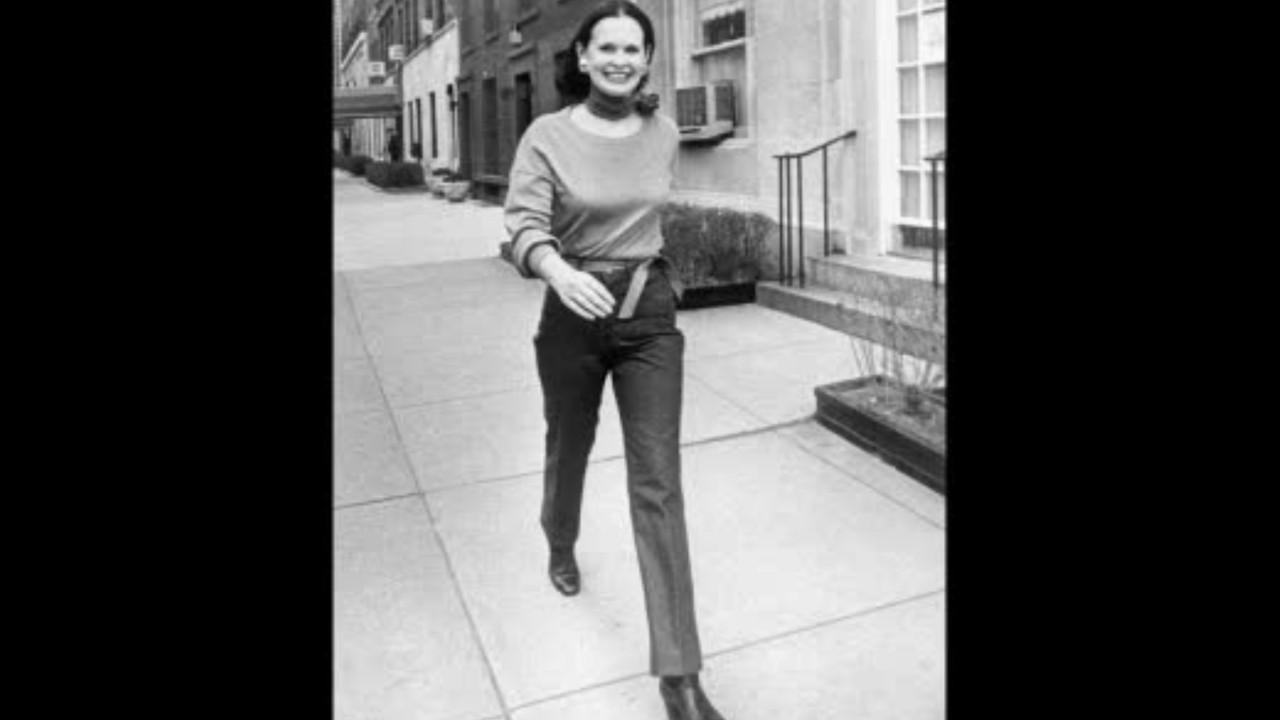 Model, clothing designer, heiress and socialite Gloria Vanderbilt died at age 95. Her son CNN anchor Anderson Cooper made the announcement.