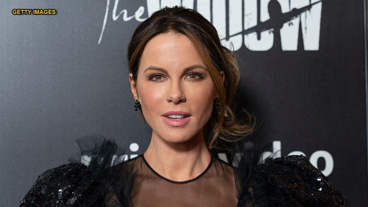 Kate Beckinsale Poses Partly Nude In Stunning Instagram Selfie  Fox News-5595