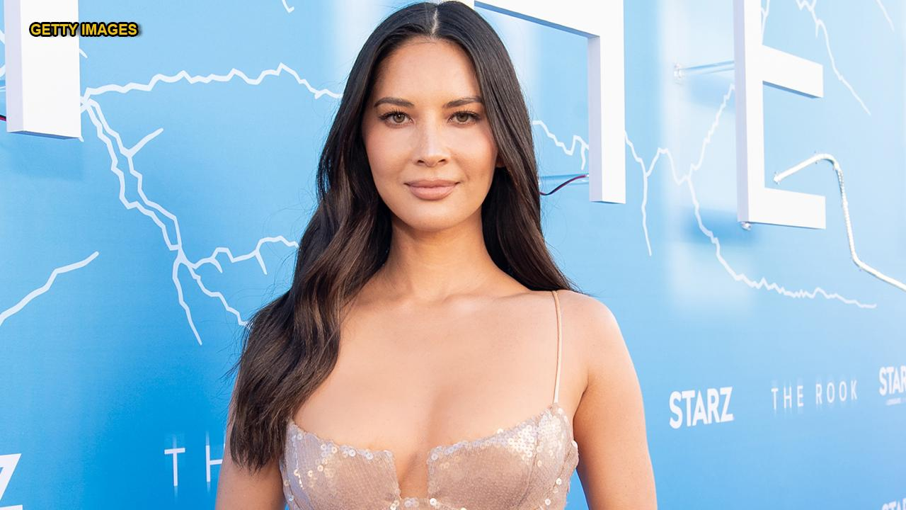 Olivia Munn explains doubtful loyalty with 'Long Island Medium' star, because she wouldn't play womanlike Bond