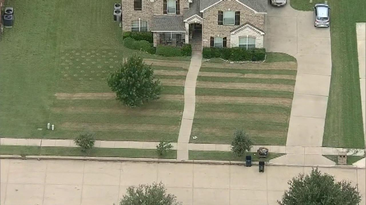 Westlake Legal Group 694940094001_6055321690001_6055319413001-vs Texas teen mows US flag into lawn to honor Army friend who died by suicide along US-Mexico border Frank Miles fox-news/us/us-regions/southwest/texas fox-news/us/us-regions/southwest/arizona fox-news/us/personal-freedoms/proud-american fox-news/us/military/honors fox-news/us/military/army fox news fnc/us fnc article 686264b5-4c58-593b-b0a9-a76c9aa7e94b