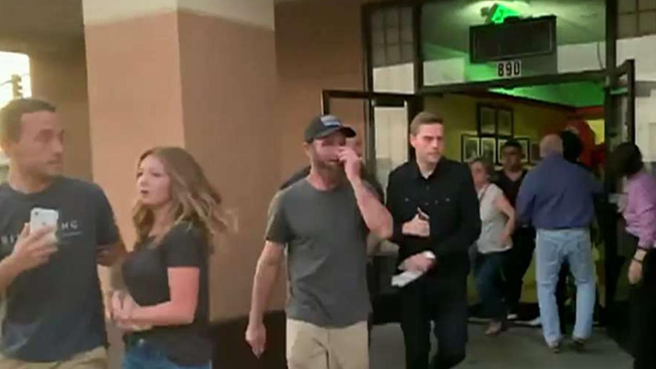 Panicked diners rush from grill as 7.1 trembler hits Southern California