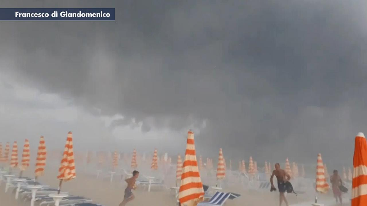 Westlake Legal Group 694940094001_6057479523001_6057477173001-vs Storm hits beach in Italy, sends sunbathers fleeing debris as freak weather plagues the country Stephen Sorace fox-news/world/world-regions/italy fox-news/weather fox news fnc/world fnc b60c3aa7-f171-5059-9a1e-4b0a73252154 article