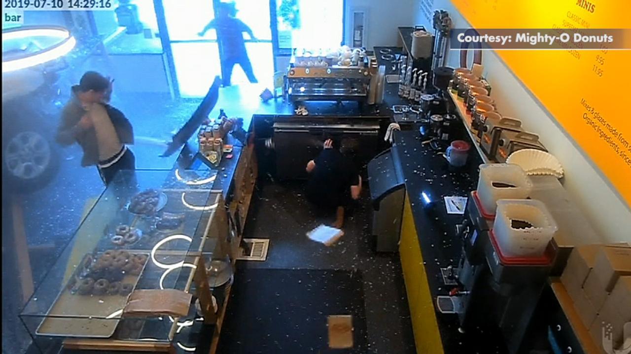 SUV crashes into doughnut emporium in Seattle