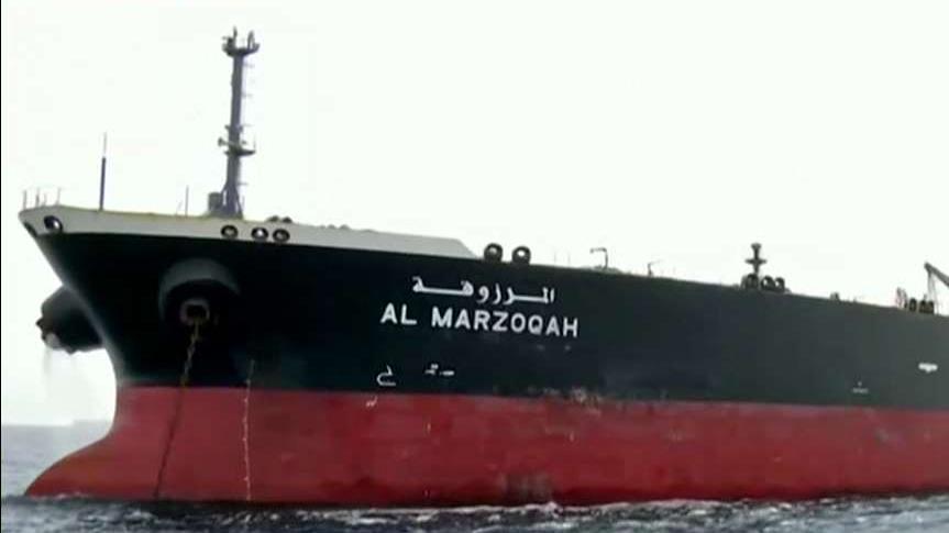 ایران ادعا می کند که آنها کنترل تانکر امارات متحده عربی را دارند که در تنگه هرمز صدمه دیده اند