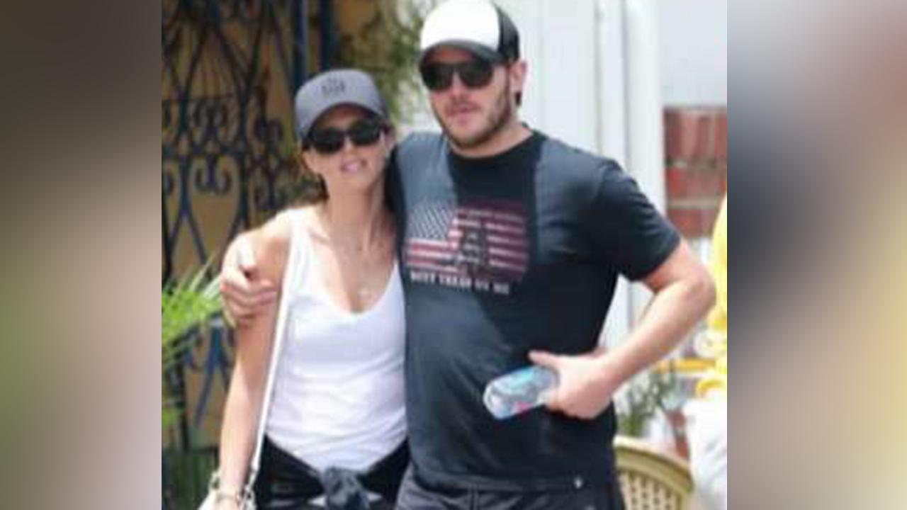 Actor Chris Pratt labeled 'racist' for Gadsden flag shirt
