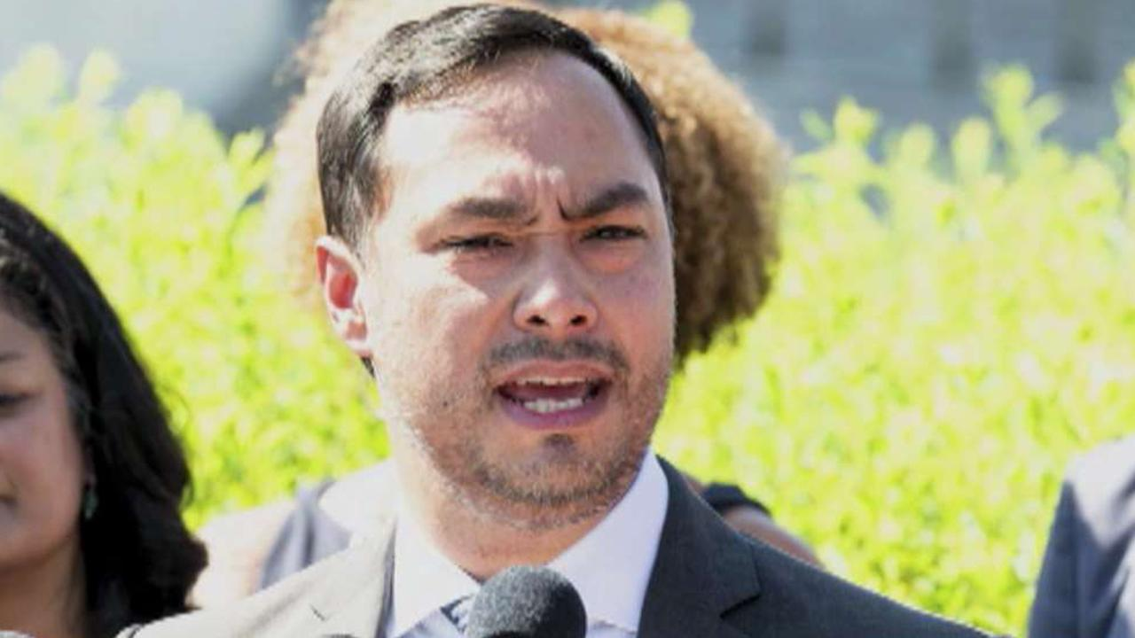 Joaquin Castro tweets list of San Antonio Trump donors