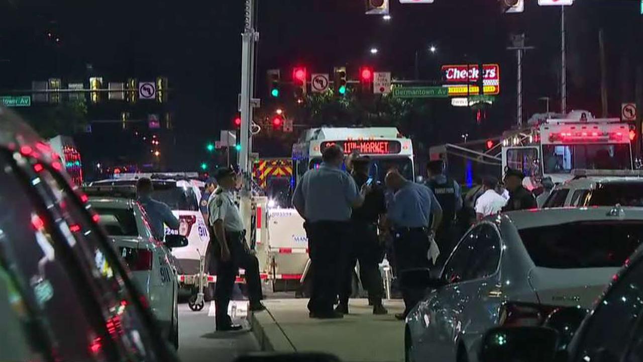6 police officers shot in standoff in Philadelphia