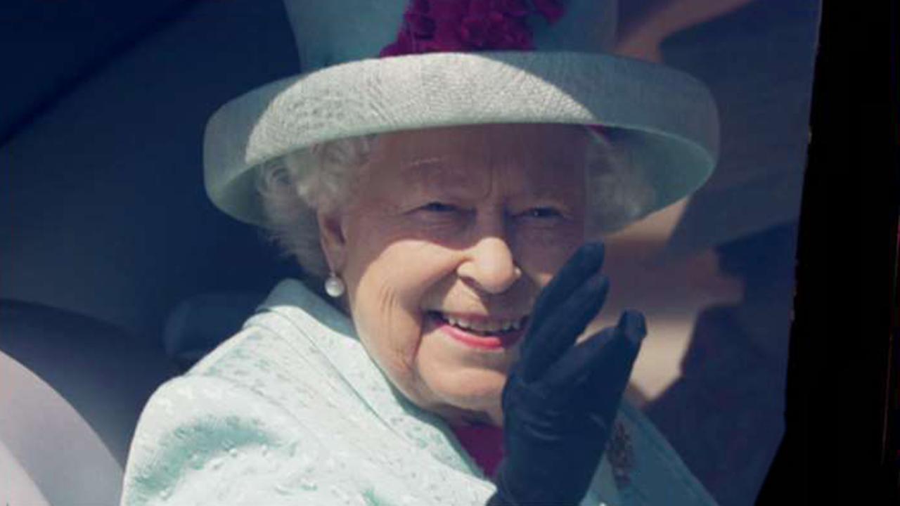 Queen Elizabeth approves UK prime minister's request to suspend parliament