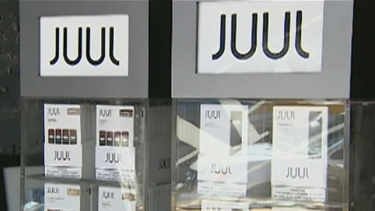 Juul suspends US ads, CEO quits