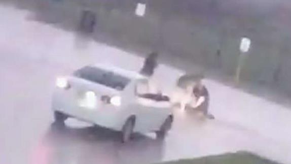 Good Samaritans rescue man hit by lightning