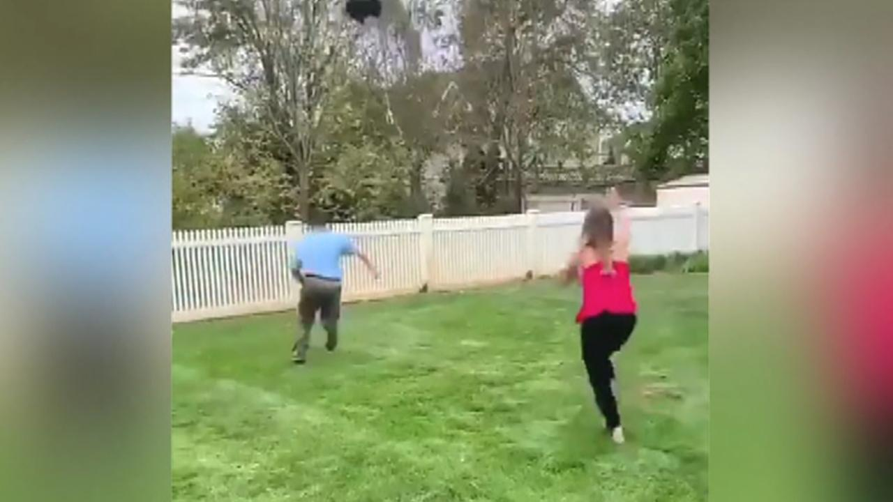Gender reveal fail shows balloon floating away