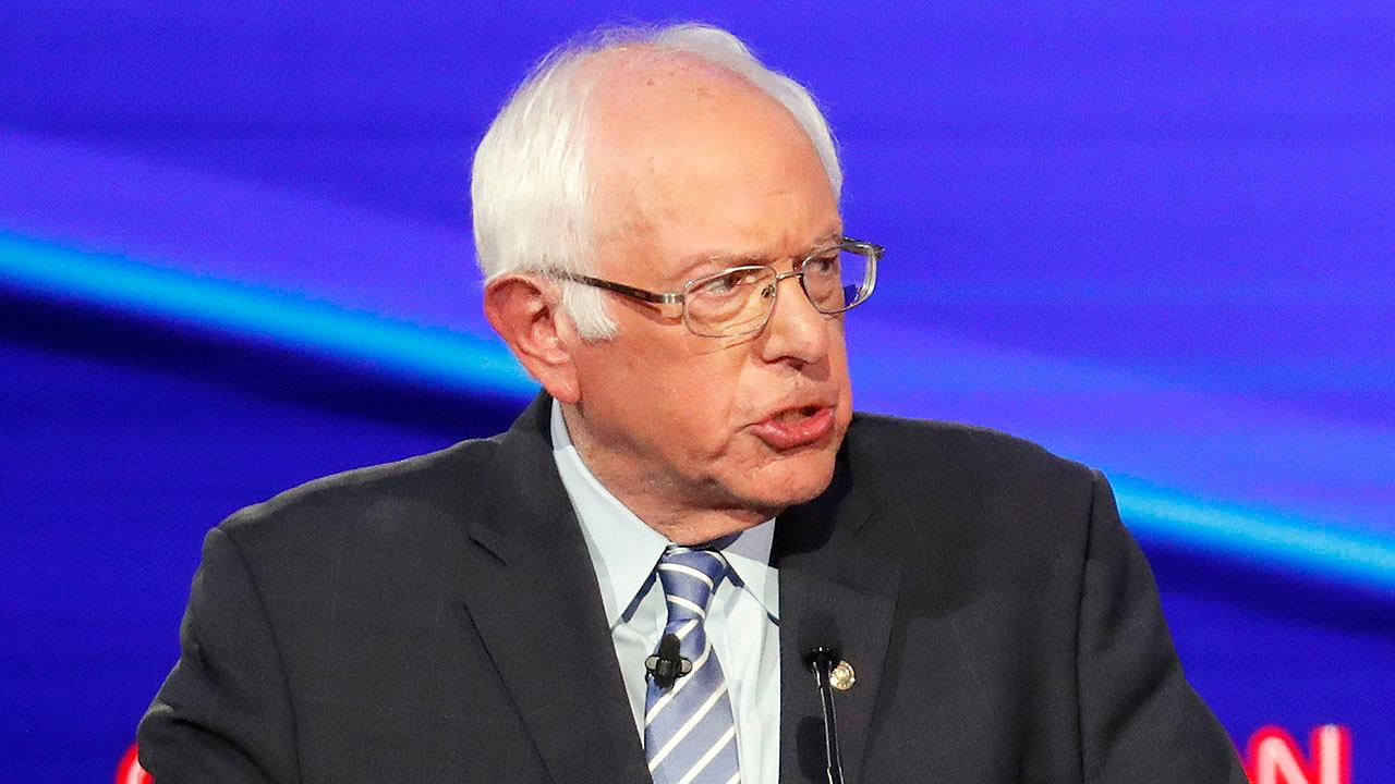 Westlake Legal Group 694940094001_6095233485001_6095232628001-vs AOC backs Sanders at New York rally, credits him with 'fundamentally' changing politics fox-news/person/bernie-sanders fox-news/person/alexandria-ocasio-cortez fox news fnc/politics fnc article Adam Shaw 69df3bcd-16e1-5129-8da0-3b4b5fa027c9