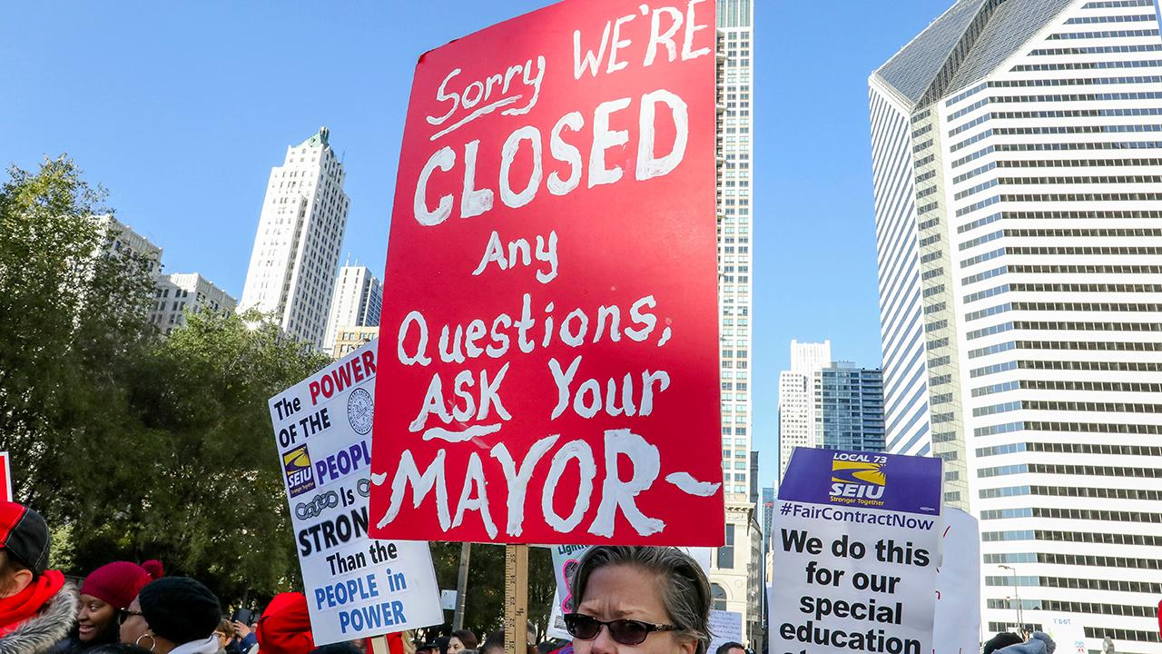 Talks between the Chicago Teachers Union and the public school system stalled Monday over class size and teacher prep time.
