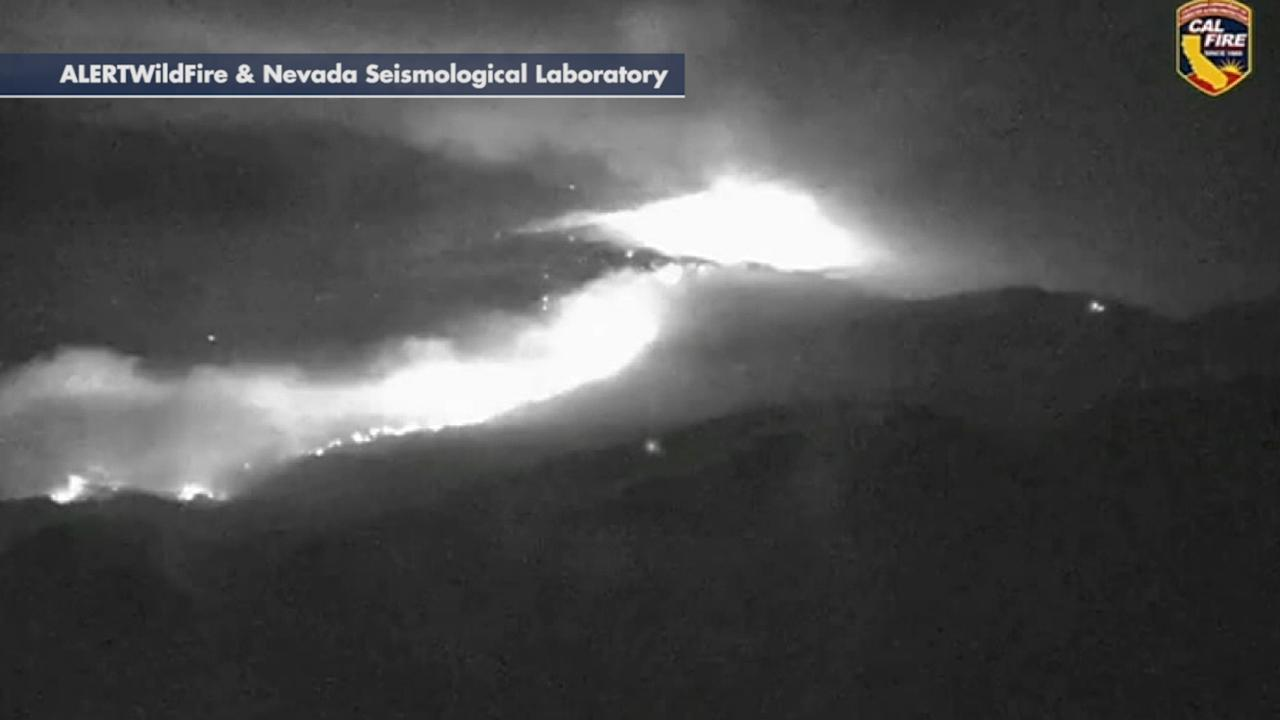 Time-lapse video shows Kincade Fire burning in California mountains