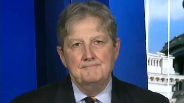 Sen. John Kennedy knallt Pelosi für die Verwendung Amtsenthebung als eine