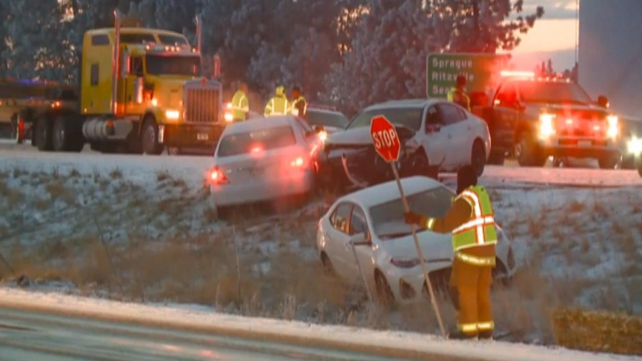 Strong winds, rapid snowfall leads to massive pileup on Washington highway