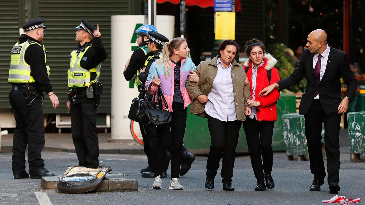 Witness describes panic following terror attack on London Bridge: People were 'sprinting for their lives'