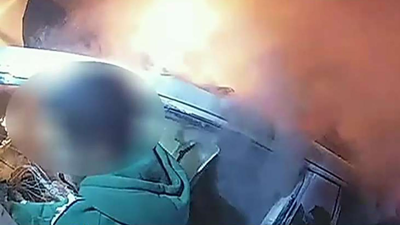 Westlake Legal Group 694940094001_6117319845001_6117313346001-vs Texas deputies, in dramatic video, free trapped driver from burning car Greg Norman fox-news/us/us-regions/southwest/texas fox-news/us/crime/police-and-law-enforcement fox news fnc/us fnc article 5234e4df-7324-5aa8-8c37-249015dc400a