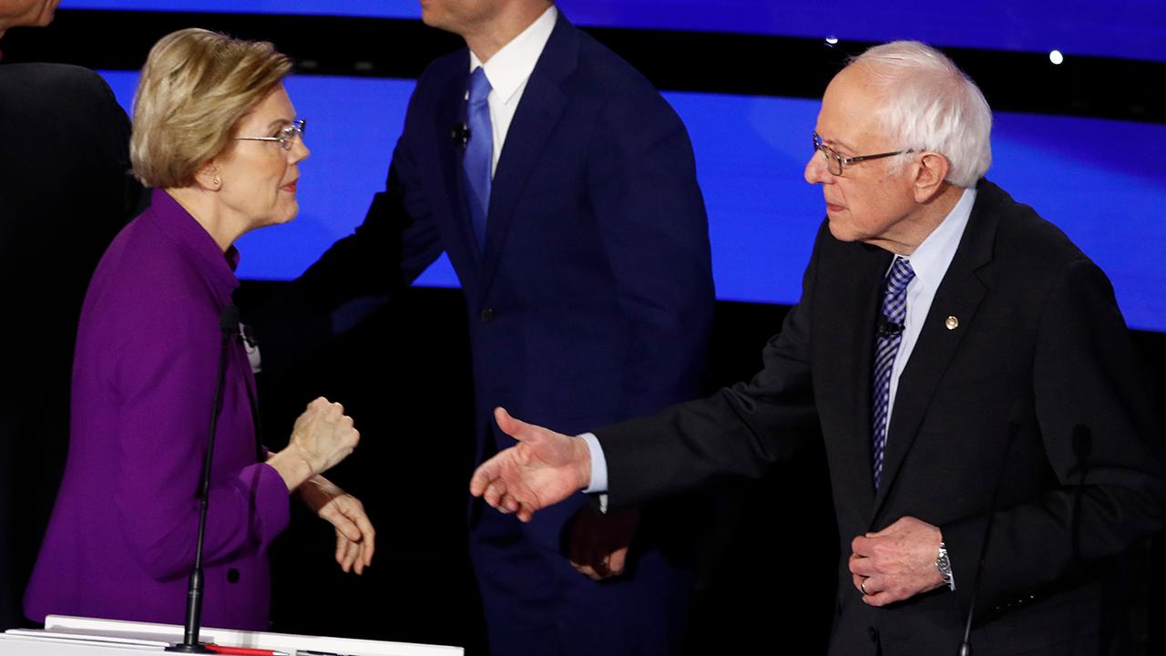 Warren appears to refuse to shake Sanders' hand after Iowa debate