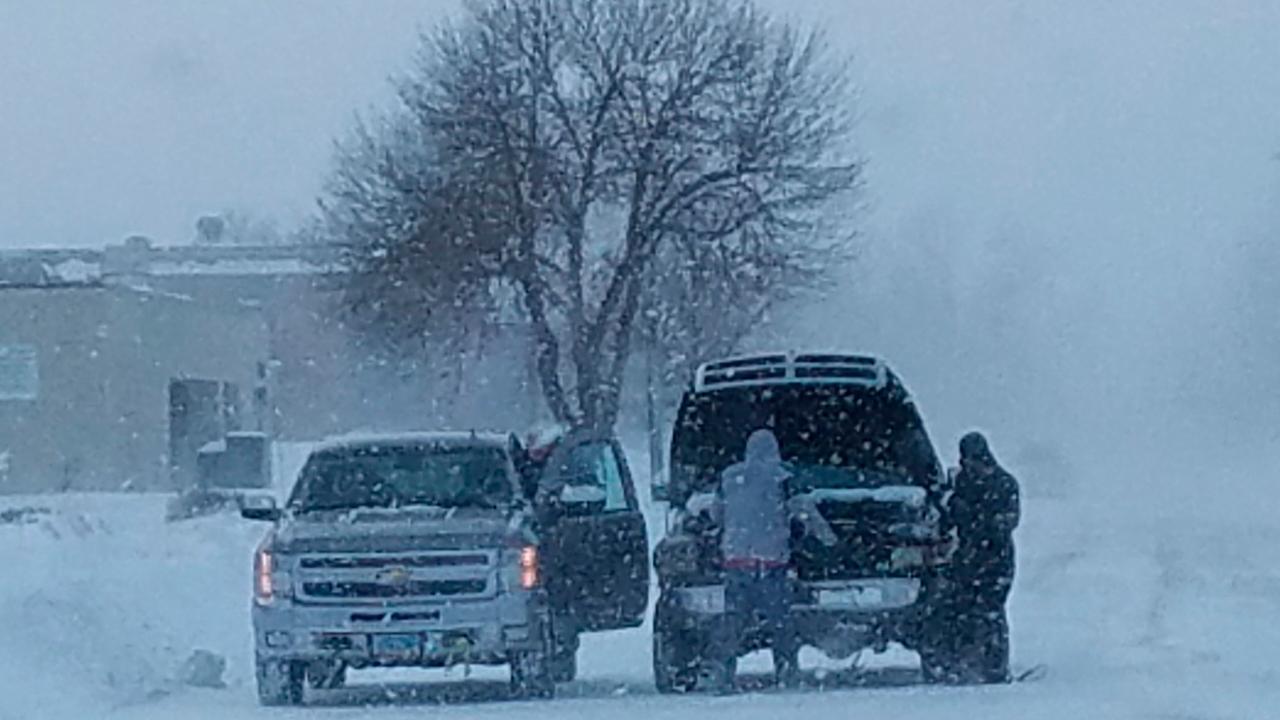 寒の保全中西部の広大な嵐FFF東北ヒット雪、スラッシュ