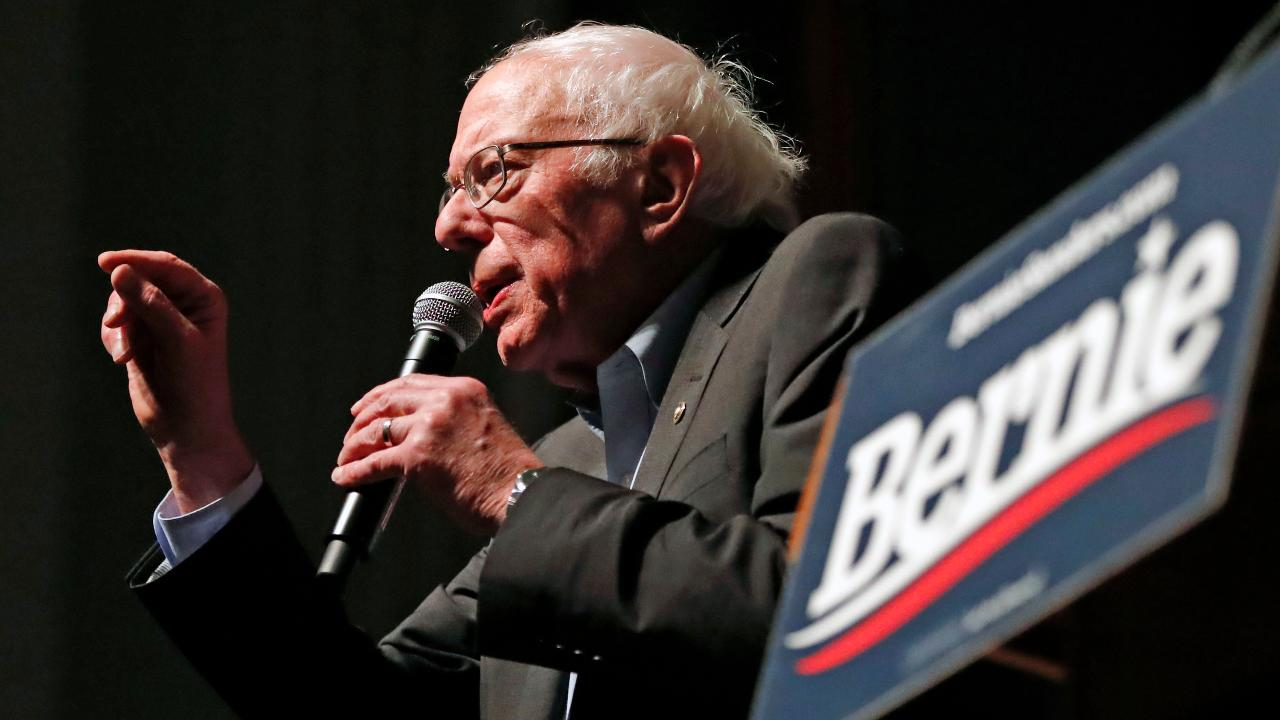 Iowa polls show Sanders in lead for Democratic nomination