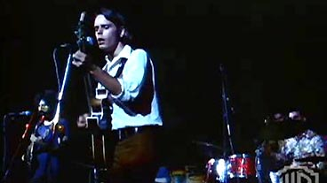 Grateful Dead Performs