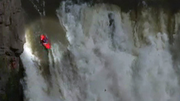 Extreme Kayaker Breaks World Record