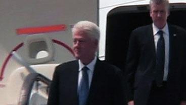 Bill Clinton Saves Journalists
