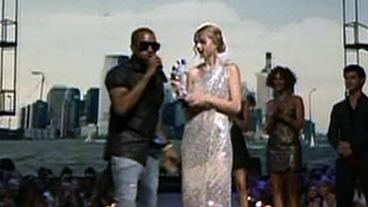 Kanye Disses Taylor Swift